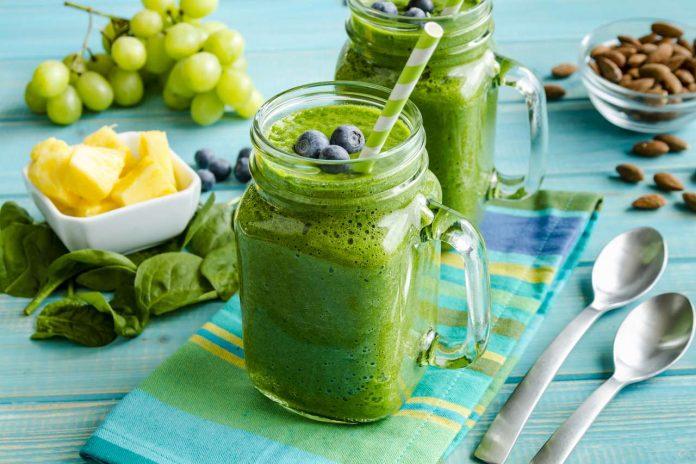 Redukční Smoothie dieta a její efekty jaký má jídelníček a recepty a zkušenosti s ní