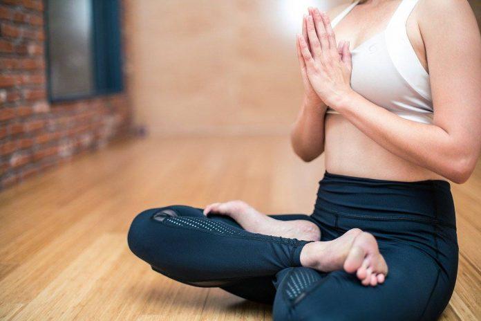 Jóga na hubnutí, nejlepší cvičení pro začátečníky a které cviky jsou na břicho