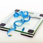 Přibírání v menopauze na váze, proč je nejčastěji na břiše a jak ho zastavit