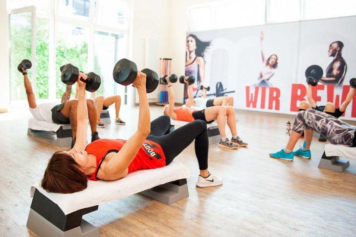 Jak pomáhá aerobní cvičení na hubnutí a odbourání tukových zásob doma